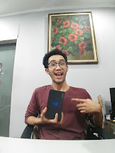 Photo: Sunday giveaway winner S. Kwee showing off his new Samsung Galaxy S9 Plus.