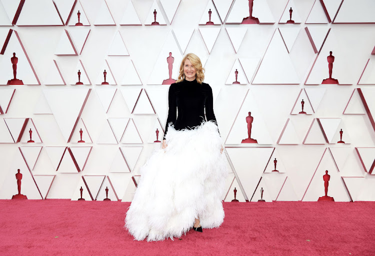Laura Dern made a fashion misstep in this Oscar de la Renta creation.
