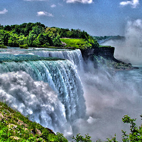 Niagara Falls NY by Paul Drajem - Landscapes Waterscapes ( rivers, niagara falls, fast water, waterscape, waterfall, water,  )