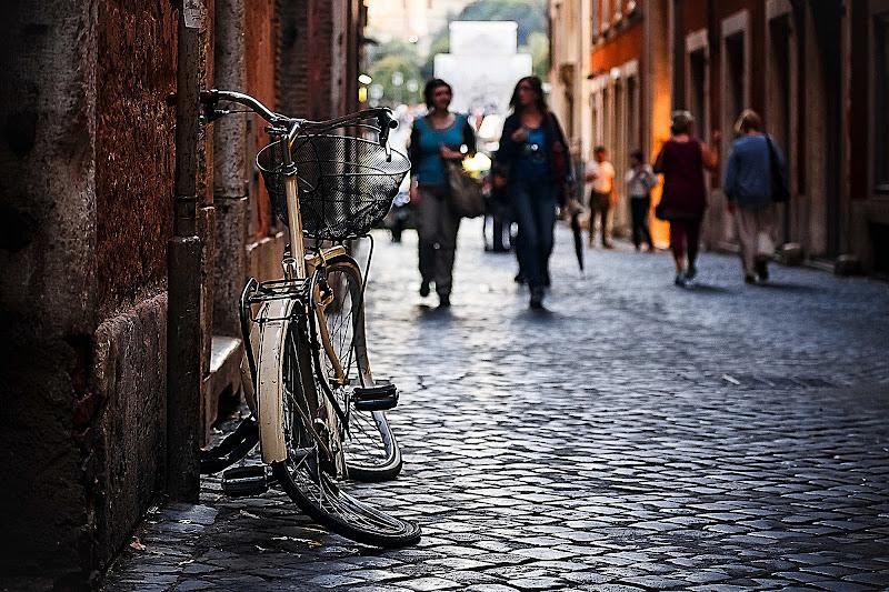 """Bici """"molle"""". Una storia contorta la mia di Tindara"""