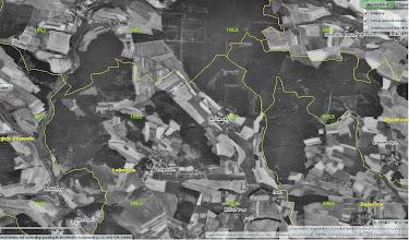 Photo: Snímek z roku 1953. Všimněte si kříže v lese severně od Dubu. Detaily jsou lépe viditelné přímo u zdroje.. http://kontaminace.cenia.cz/