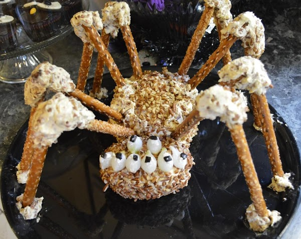 Creepy Spider Cheese Ball Recipe