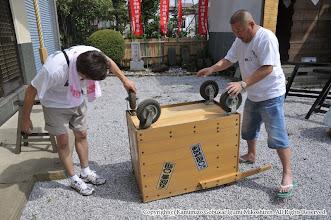 Photo: 【平成23年(2011) 太鼓開き】  給水車も点検。本年は給水車を少し改造することに。