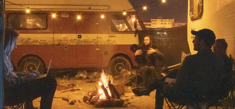Goboony Vanlife vive in un camper amici