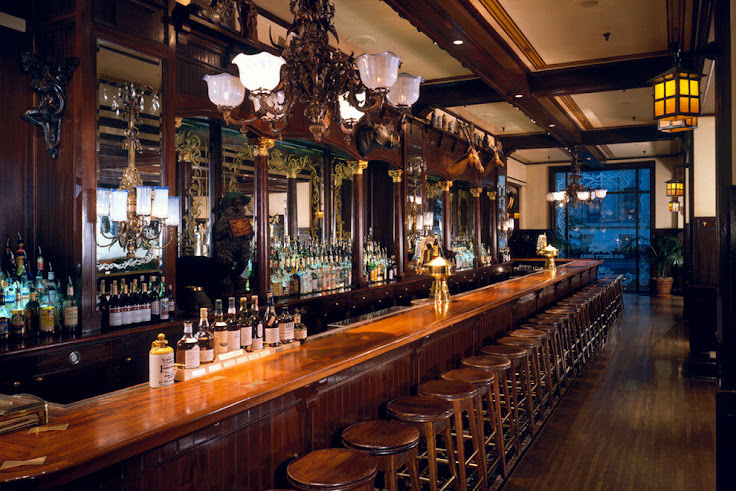 The long bar counter at the Old Ebbitt Grill.