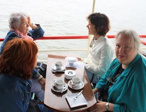 Photo: Ann Kahlé (rechts) is actief in de Huurdersvereniging Centrum