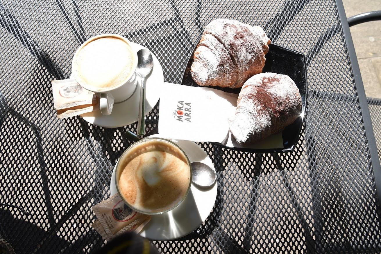 caffe y cornetto