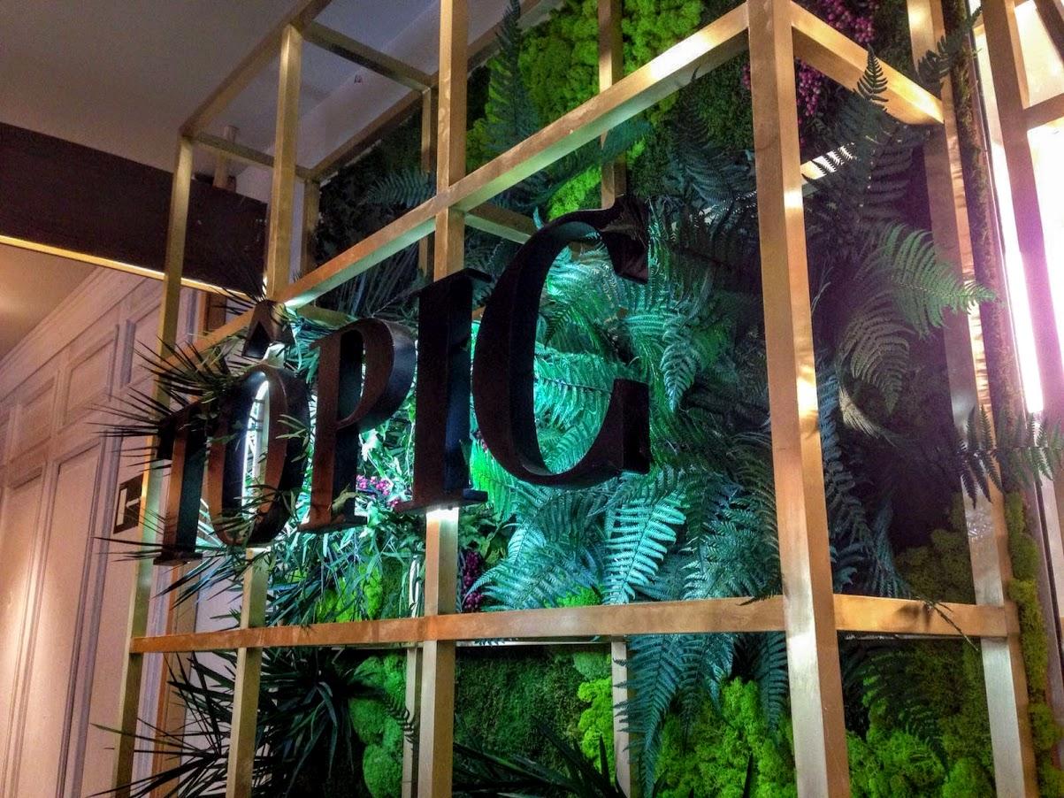 Jardín vertical de planta conservada