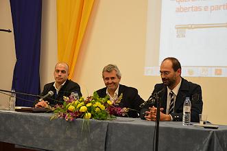 Photo: Luís Patacho, presidente do PS/Caldas, Álvaro Beleza, secretário nacional do PS, e João Paulo Pedrosa, deputado
