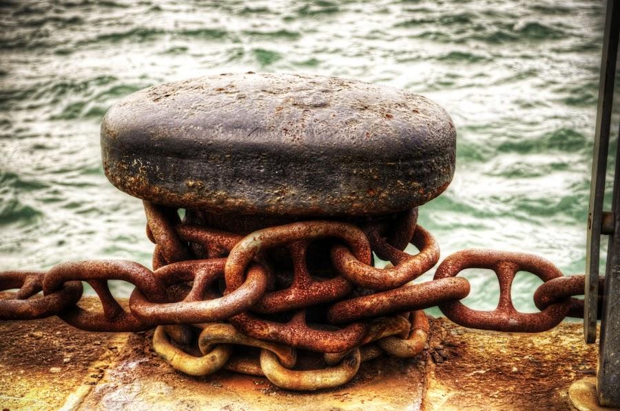 ormeggio by Santo Graal - Products & Objects Industrial Objects ( tempesta, mare, ormeggio, attracco, catena, chain, sea, cloud )