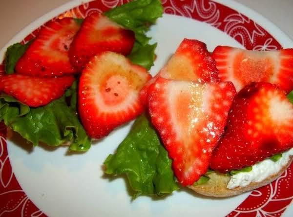 Cream Cheese / Strawberries & Balsamic Muffins