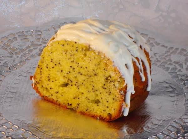 Dianne's Poppy Seed Cake