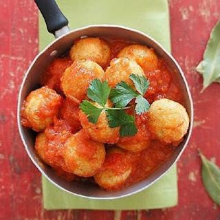 Ricotta Dumplings with Tomato-Basil Sauce