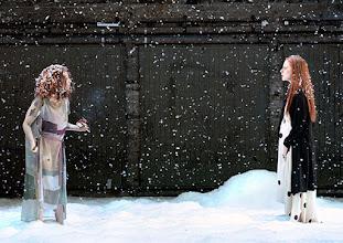 Photo: Wien/ Akademietheater: JOHN GABRIEL BORKMAN von Henrik Ibsen. Inszenierung: Simon Stone, Premiere am 28.5.2015. Birgit Minichmayr, Caroline Peters. Copyright: Barbara Zeininger