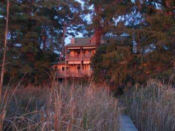 Cypress Moon Inn