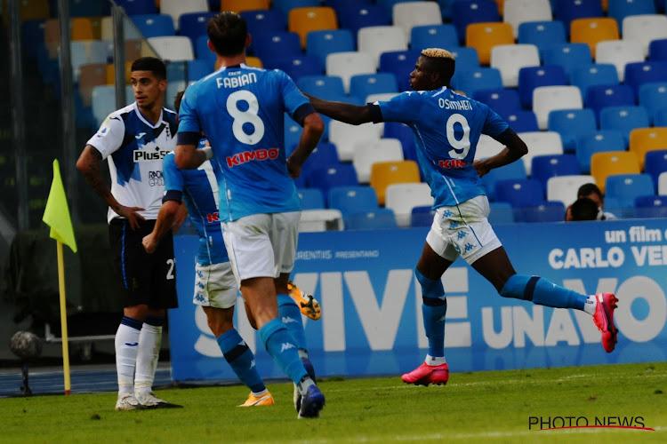 Dries Mertens helpt met assist Napoli aan probleemloze zege in topper tegen Atalanta