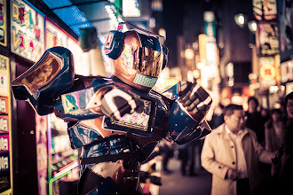 Photo: Robots in the streets of Tokyo!!! :)  from a few nights ago in Shinjuku...