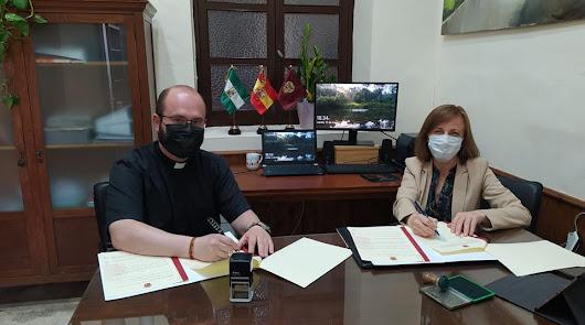 Ayuntamiento y Cáritas refuerzan su colaboración con la firma de dos convenios