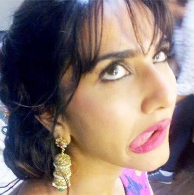 7 Weird Bollywood Celebs Selfies
