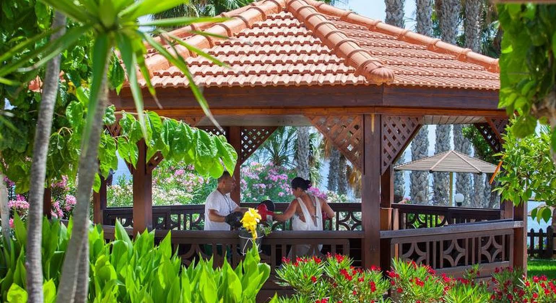Cavo Maris Beach Hotel