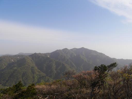 ハライドから霞む釈迦ヶ岳