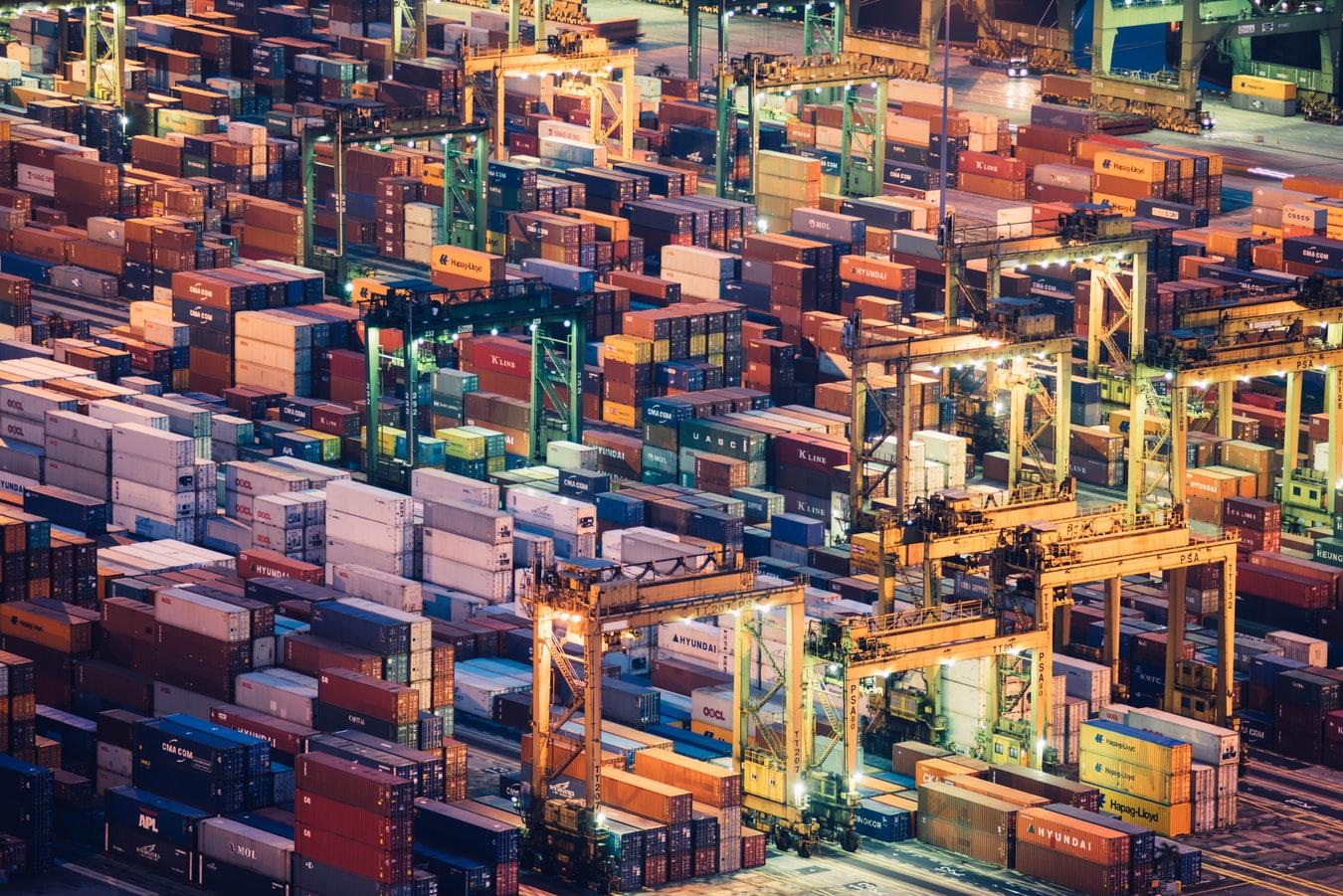 Dịch vụ vận chuyển và mua hộ hàng nước ngoài giá rẻ của Xanh Logistics