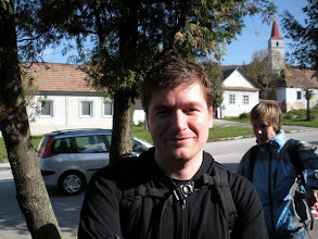Photo: Anďo sa  usmieva a všetci čakáme na turistu Ľuba.