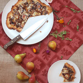 Pear and Fig Pizza with Smoked Gouda and Pulled Pork.