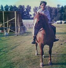 Photo: Job Vedder op paard, Oostermoer