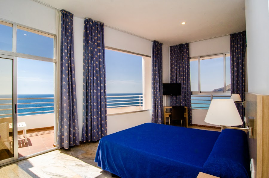 M ROOM WITH SEA VIEWS