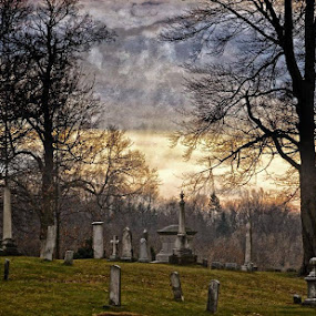 by Mike N Connie Holmes - City,  Street & Park  Cemeteries