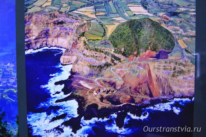 Фото острова Фаял до извержения вулкана, Volcano Interpretation Center of Capelinhos, Faial