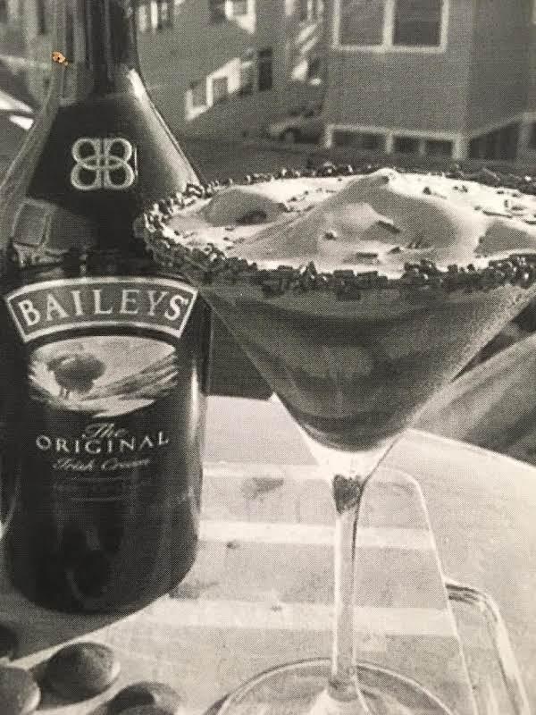 Chocolate Blitzen Martini Recipe