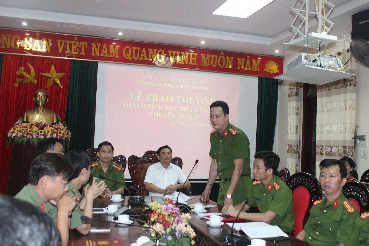 Đ/c Thượng tá Nguyễn Đức Cường, Trưởng CATP Vinh phát biểu tại Lễ trao thưởng.