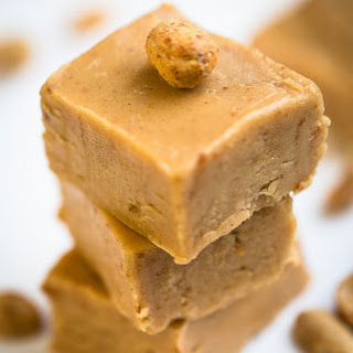 Easy 4 Ingredient Peanut Butter Fudge