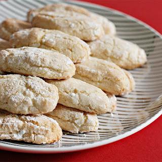 Sienese Almond Cookies.
