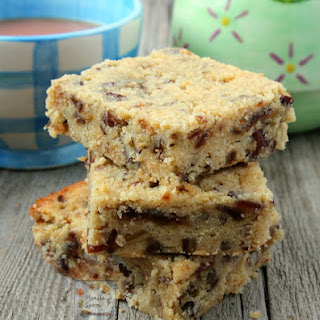 Date and Hazelnut (or Walnut) Bars (a.k.a. Food for the gods).