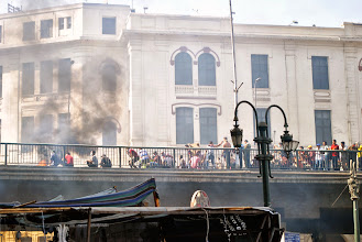 Photo: Clashes take place atop a bridge by Al Fat'h Mosque during Friday's 'Day of Rage' protest. At least 95 people are reported killed in the clashes. Cairo, EGYPT - 16/8/2013. Credit: Ali Mustafa/SIPA Press