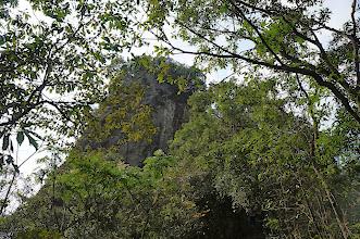 Photo: 終於看見大石,越過這大石就能看見石筍了
