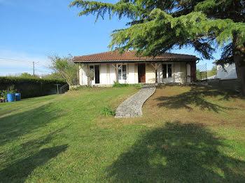 maison à Asnières-sur-Nouère (16)