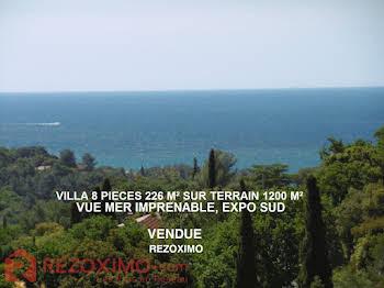 Villa 8 pièces 226 m2