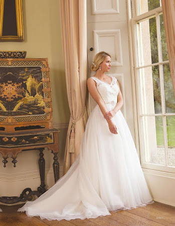 D1451 Wedding Dress Sacha James