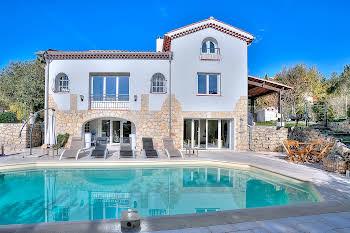 Villa 8 pièces 273 m2