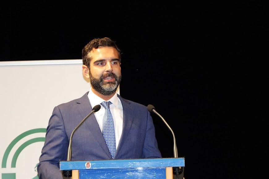 El alcalde de Almería, Ramón Fernández-Pacheco, durante su intervención.