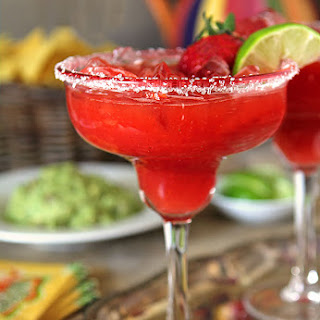 Fresh Strawberry Margarita for Cinco de Mayo.