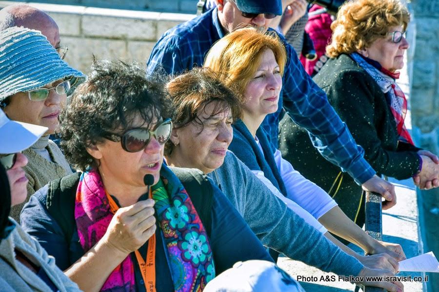 Гид в Израиле Светлана Фиалкова на экскурсии в Иерусалиме.