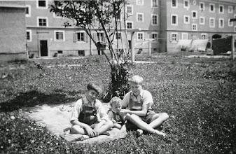Photo: Innsbruck, Prinz-Eugenstrasse 66: Walter, Norbert, Franz