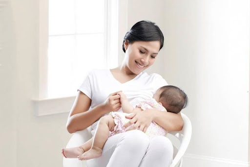 Sự ủng hộ dành cho bất cứ bà mẹ nào vẫn đang cho con bú, dù trẻ đã lớn, nên được công nhận. Chỉ cần cả mẹ lẫn con cảm thấy ổn thì chẳng có gì sai khi chúng tôi tiếp tục cho con bú mẹ.