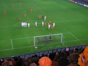 Photo: Royston Drenthe neemt de vrije trap.