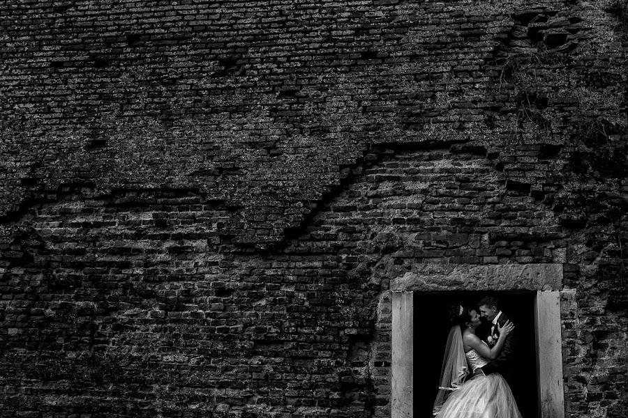 Wedding photographer Casian Podarelu (casian). Photo of 20.09.2016